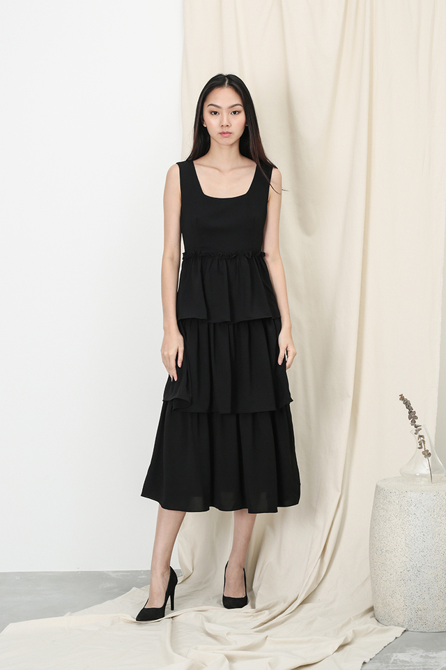 GRACIE TIER DRESS IN BLACK