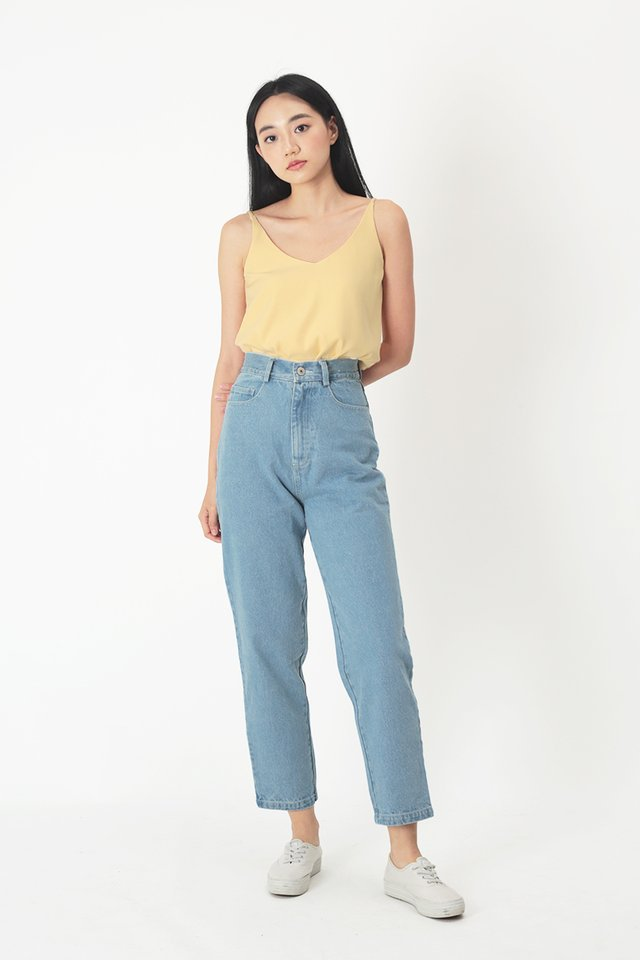 MILA DENIM JEANS IN MID WASH
