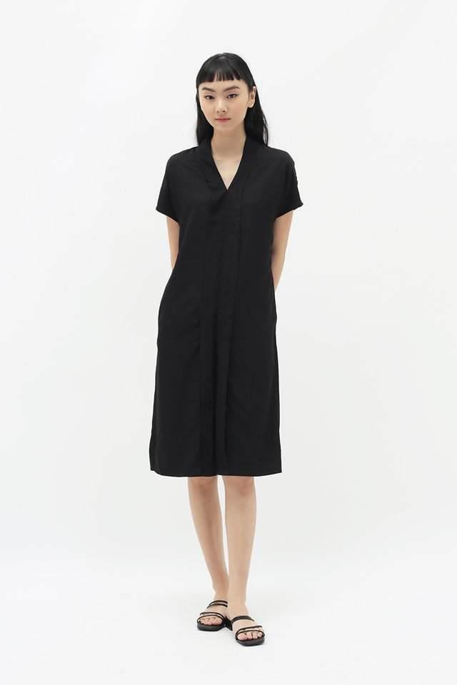 MARRI KIMONO DRESS IN BLACK