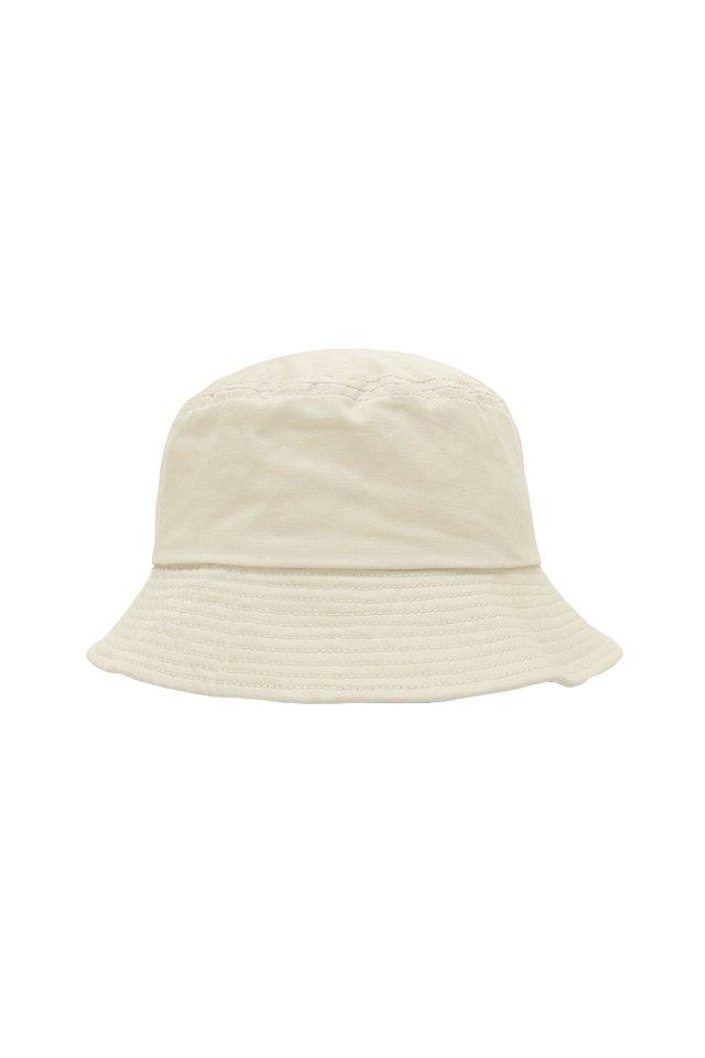 ARCADE TWILL BUCKET HAT IN CREAM