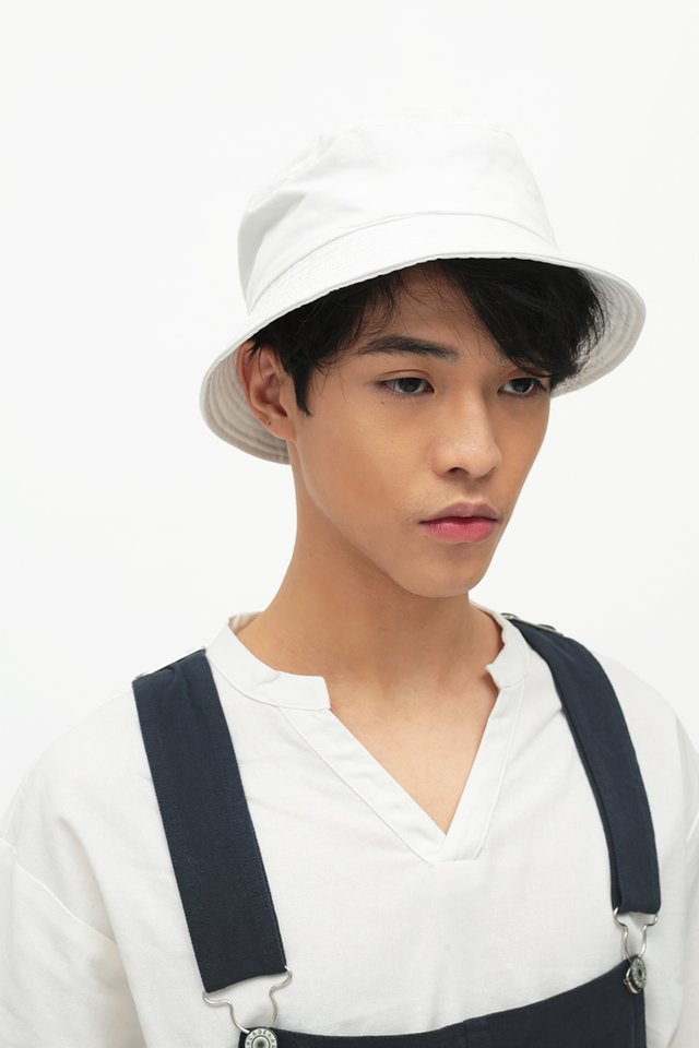 ARCADE TWILL BUCKET HAT IN WHITE