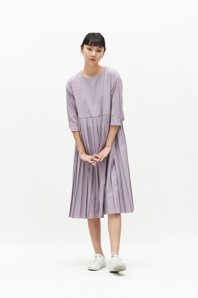 MARIANNE PLEATED MIDI DRESS IN LAVENDER