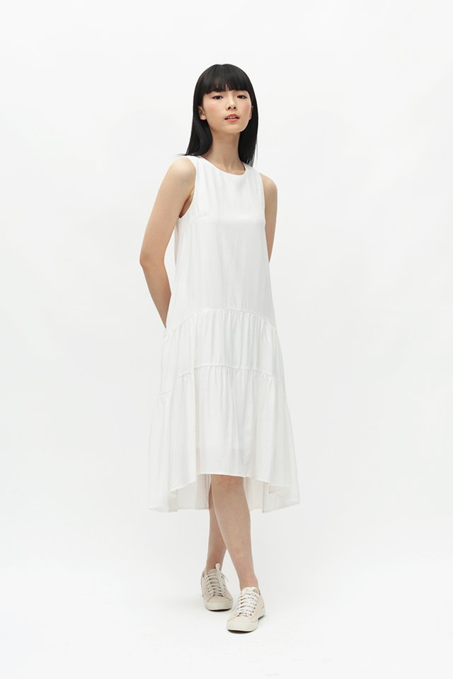 REINA DROP HEM DRESS IN WHITE