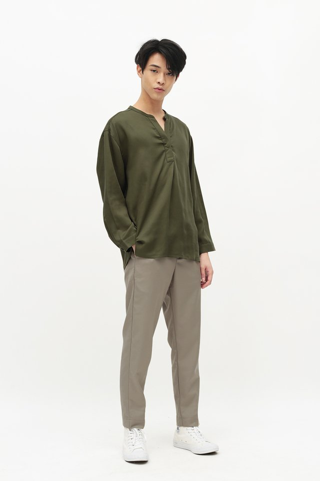 MATTY SKIPPER COLLAR SHIRT IN OLIVE