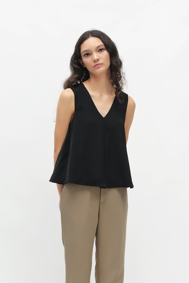HANA TWO WAY TANK TOP IN BLACK