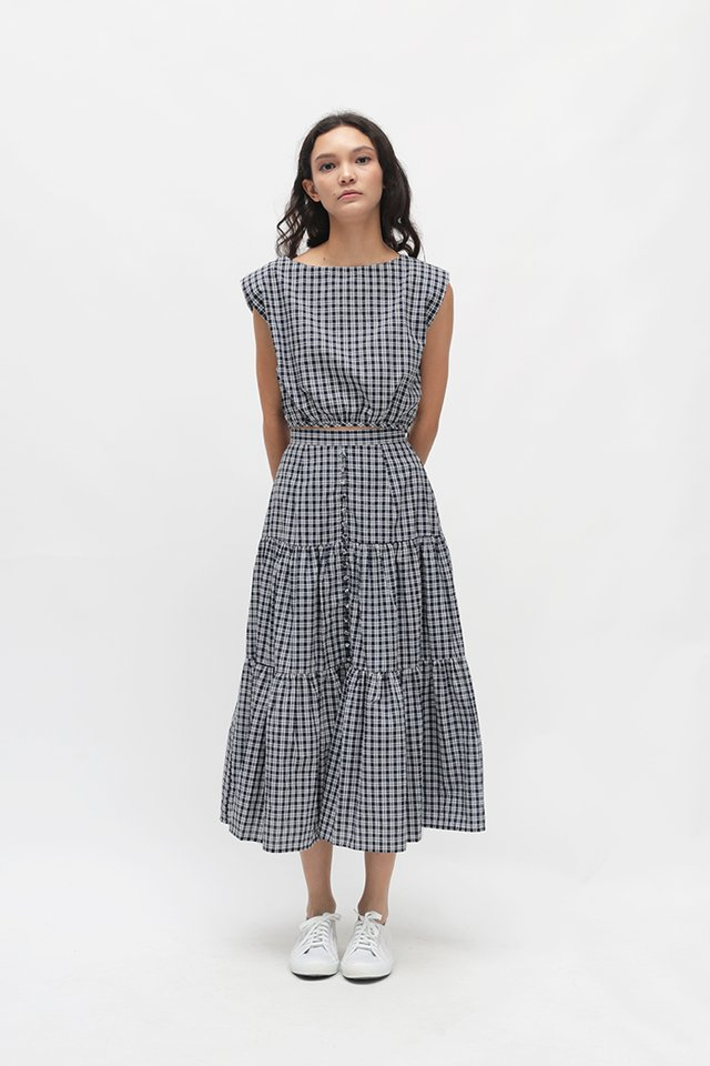 LIV CHECKERED RUCHED TOP IN NAVY