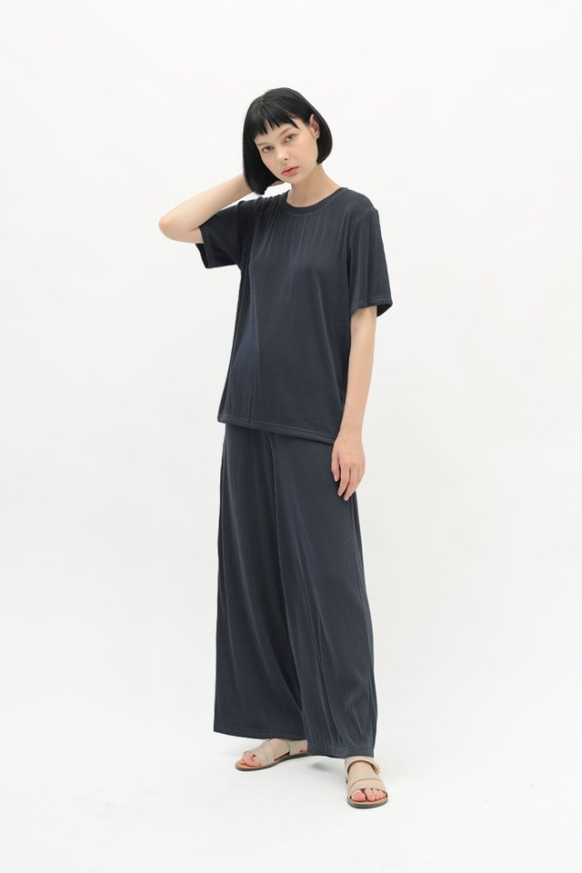 BETWEEN THE LINES RIBBED PANTS IN MIDNIGHT