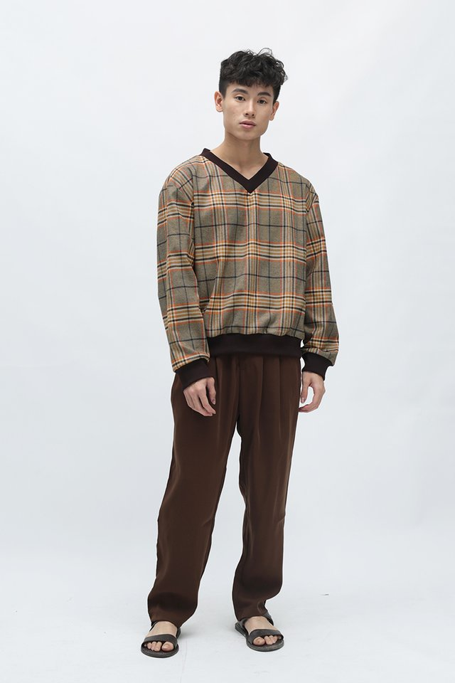 OSLO V-NECK CHECKED SWEATER IN CHOCOLATE