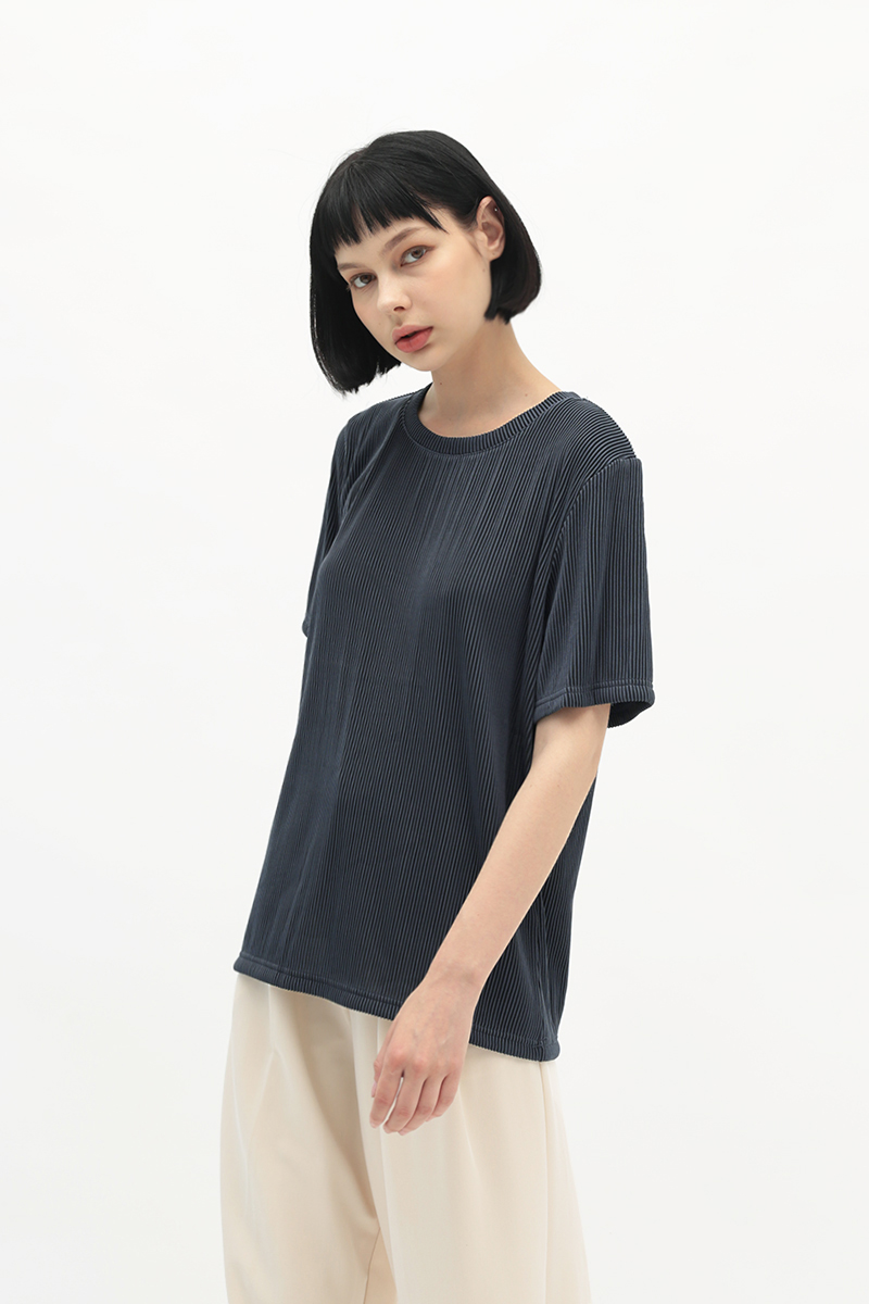BETWEEN THE LINES RIBBED TOP IN MIDNIGHT