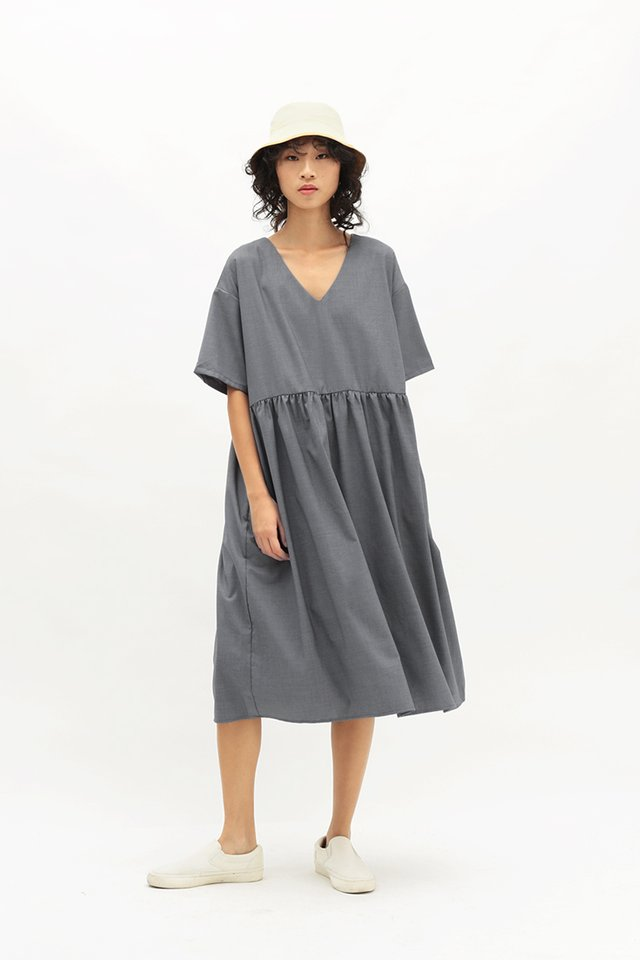 MIEKO OVERSIZED DRESS IN FRENCH GREY