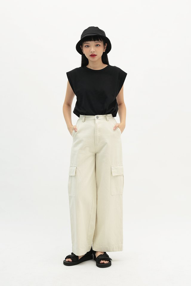 BLAKELY RELAXED FIT JEANS IN ECRU