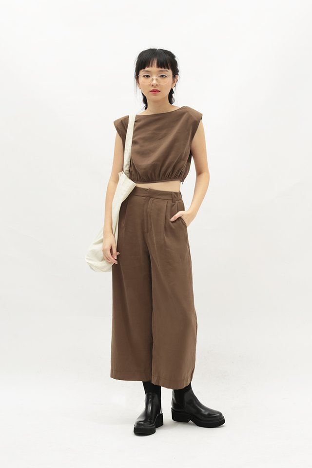 LIV RUCHED TOP IN CAPPUCCINO